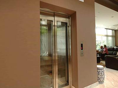 新乐别墅电梯 旁开门